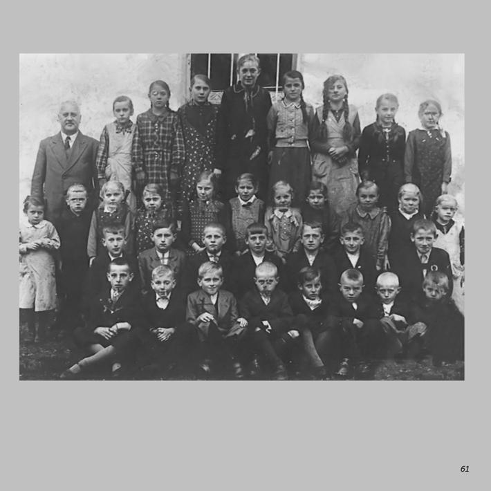 Schulklasse 1935 in Ottmaring