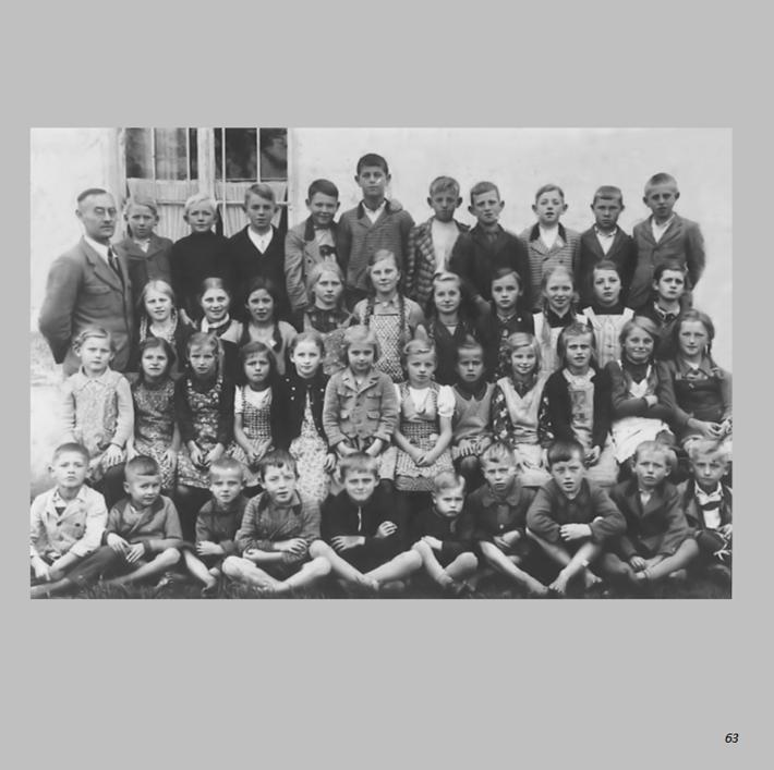 Schulklasse 1940 in Ottmaring