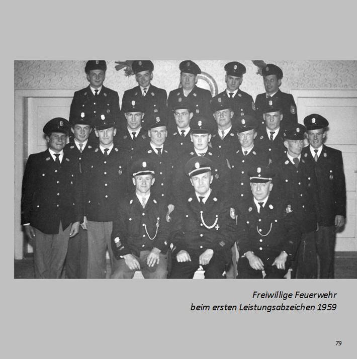 Freiwillige Feuerwehr beim ersten Leistungsabzeichen in Ottmaring 1959