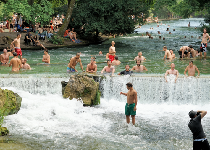 Wasserfall vom Eisbach zum Schwabinger Bach
