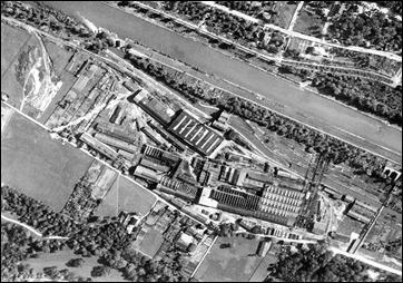 Draufsicht von 1927 mit Isar, Eisbach, Tivoli-Kraftwerk und den gesamten Werksanlagen