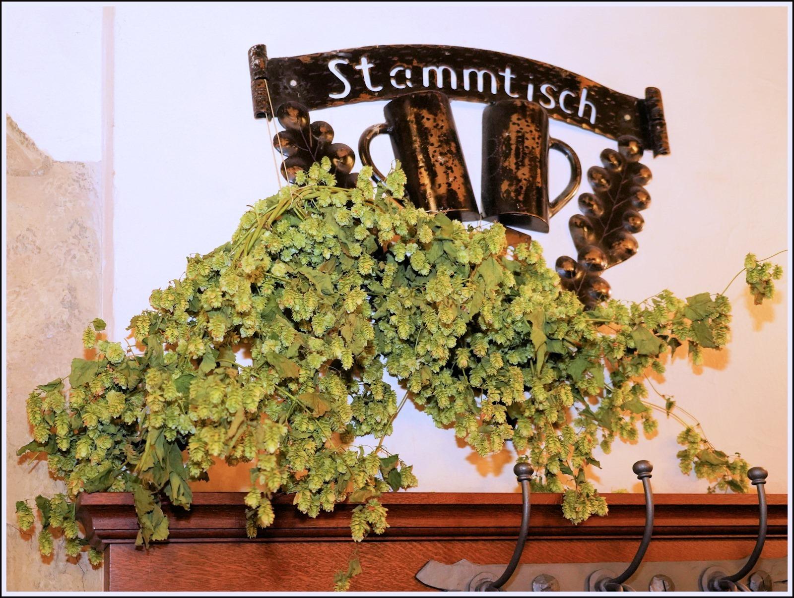 Stammtischschild im Hofbräuhaus